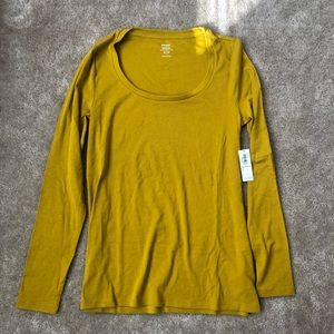 Women's Old Navy Long Sleeve Tee